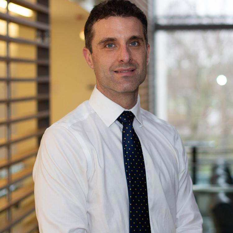 Dr.  Martin Korzeniowski