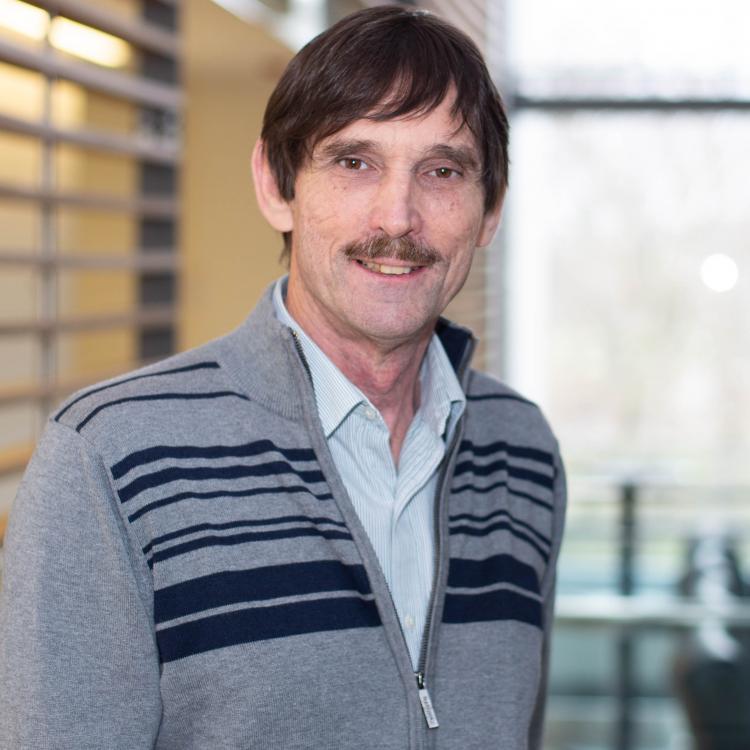 Dr.  Richard Gregg